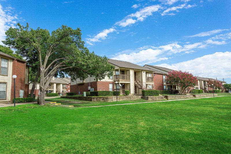 Grove at Trinity Mills ApartmentsDallasTX