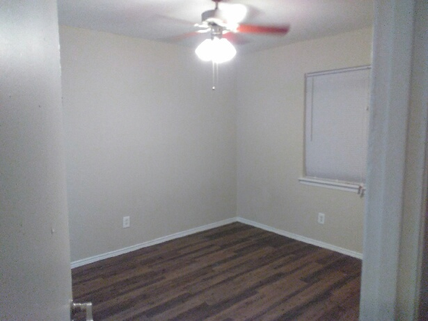Bedroom at Listing #135675