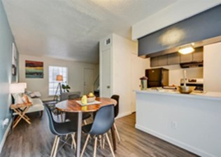 Dining at Listing #140198