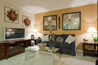 Living at Listing #140488