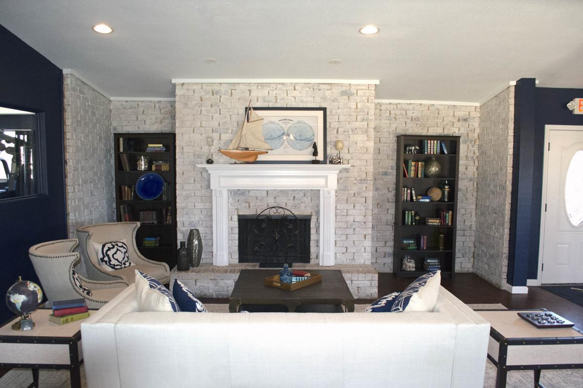 Living Room at Listing #136920