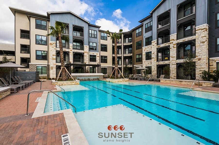 Pool at Listing #281812