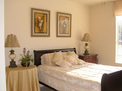 Bedroom at Listing #144663