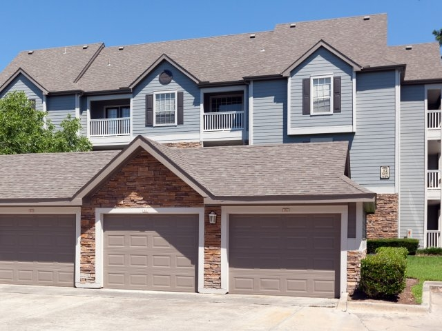 Exterior at Listing #138552