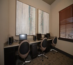 Business Center at Listing #279116
