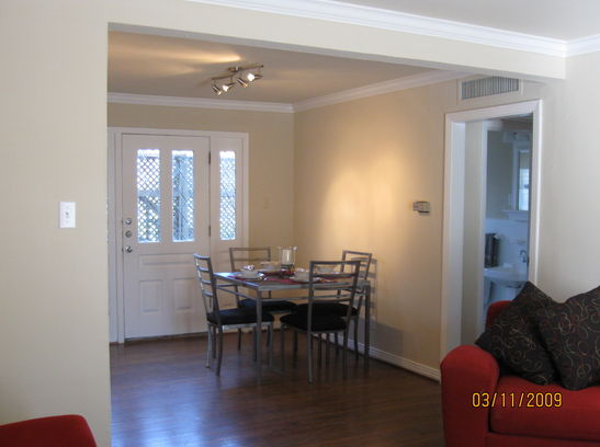 Dining at Listing #138076