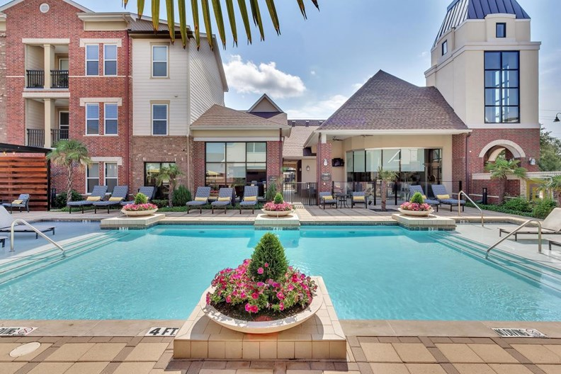 Park Central at Flower Mound Apartments