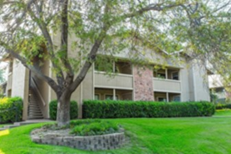 Exterior at Listing #135692