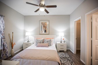Bedroom at Listing #141356