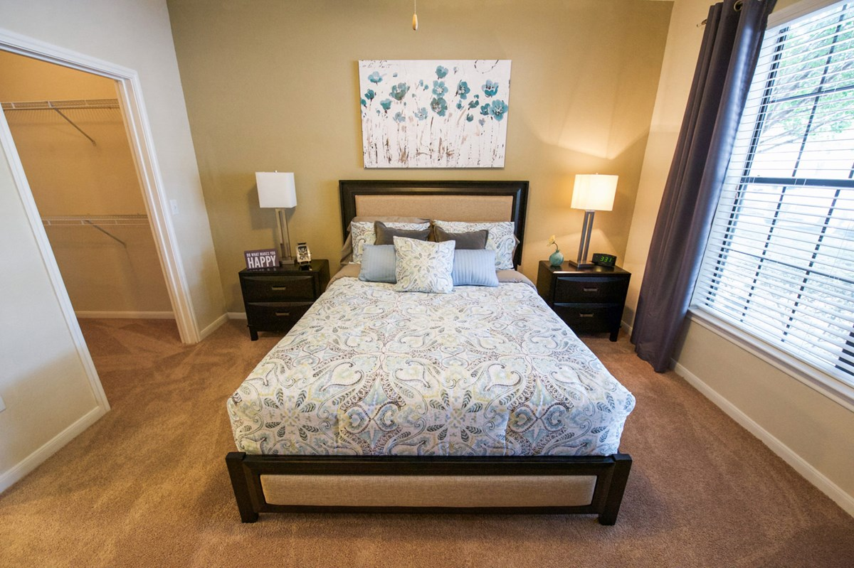Bedroom at Listing #141461