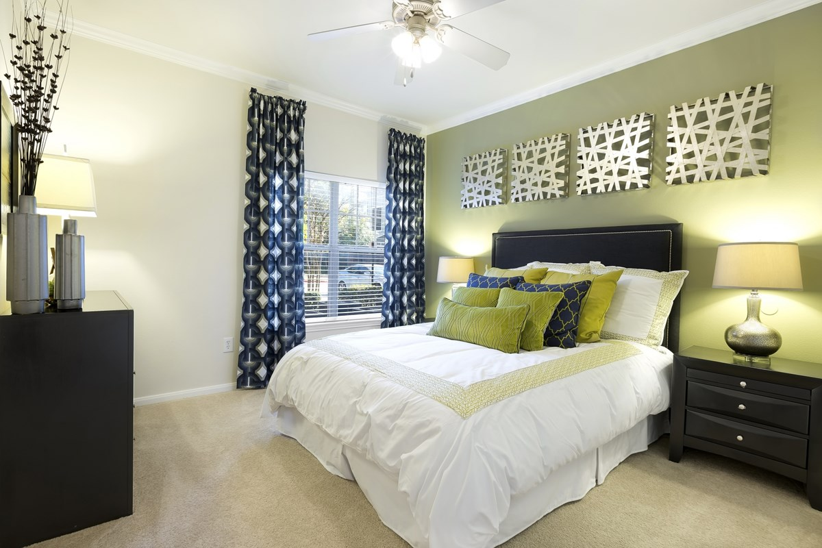 Bedroom at Listing #144139