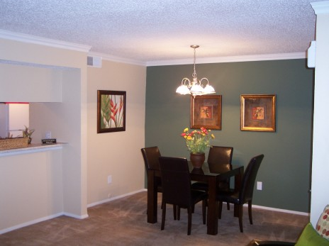 Dining at Listing #135897
