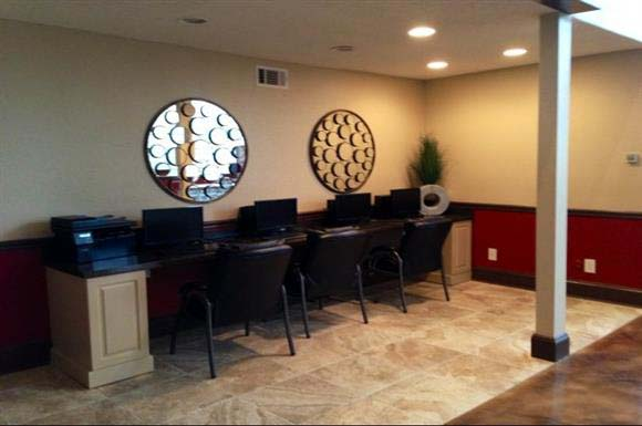 Business Center at Listing #139931