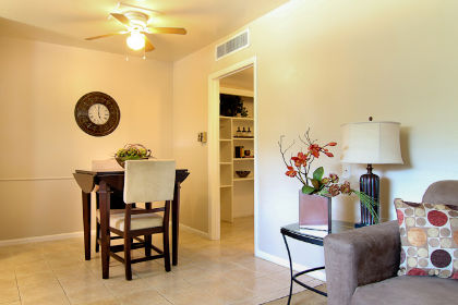 Dining at Listing #136646