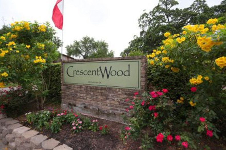 Crescentwood Apartments
