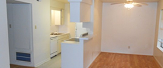 Dining/Kitchen at Listing #138458