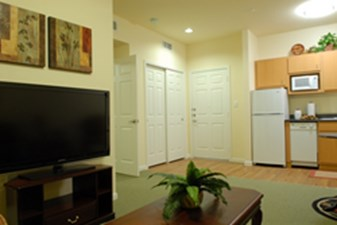 Living at Listing #256682