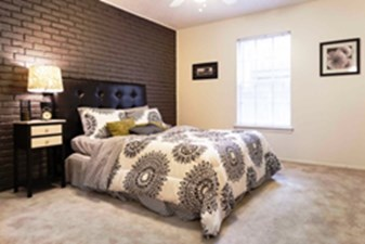 Bedroom at Listing #211582