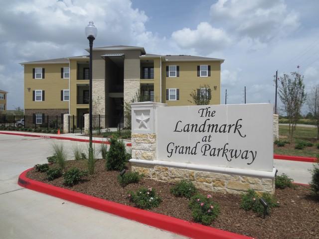 Advenir at Grand Parkway West Apartments Richmond TX