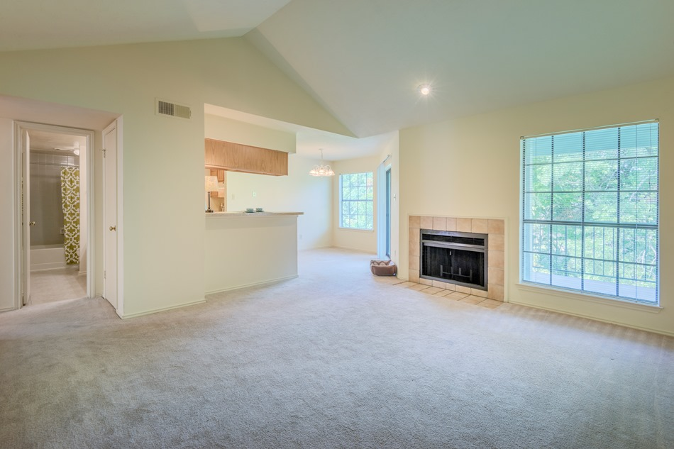 Living/Dining at Listing #136173