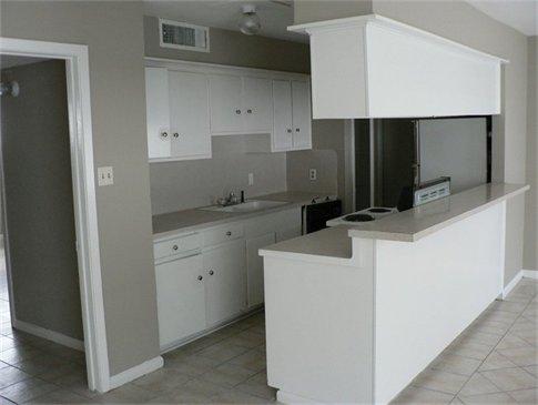 Kitchen at Listing #139477