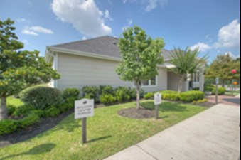 Exterior at Listing #144469