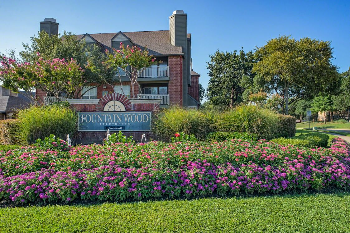 Fountain Wood at Listing #136910