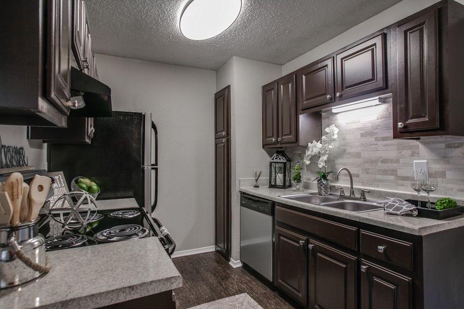 Kitchen at Listing #136192