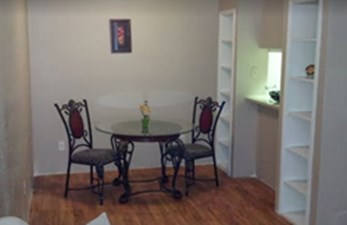 Dining at Listing #139677
