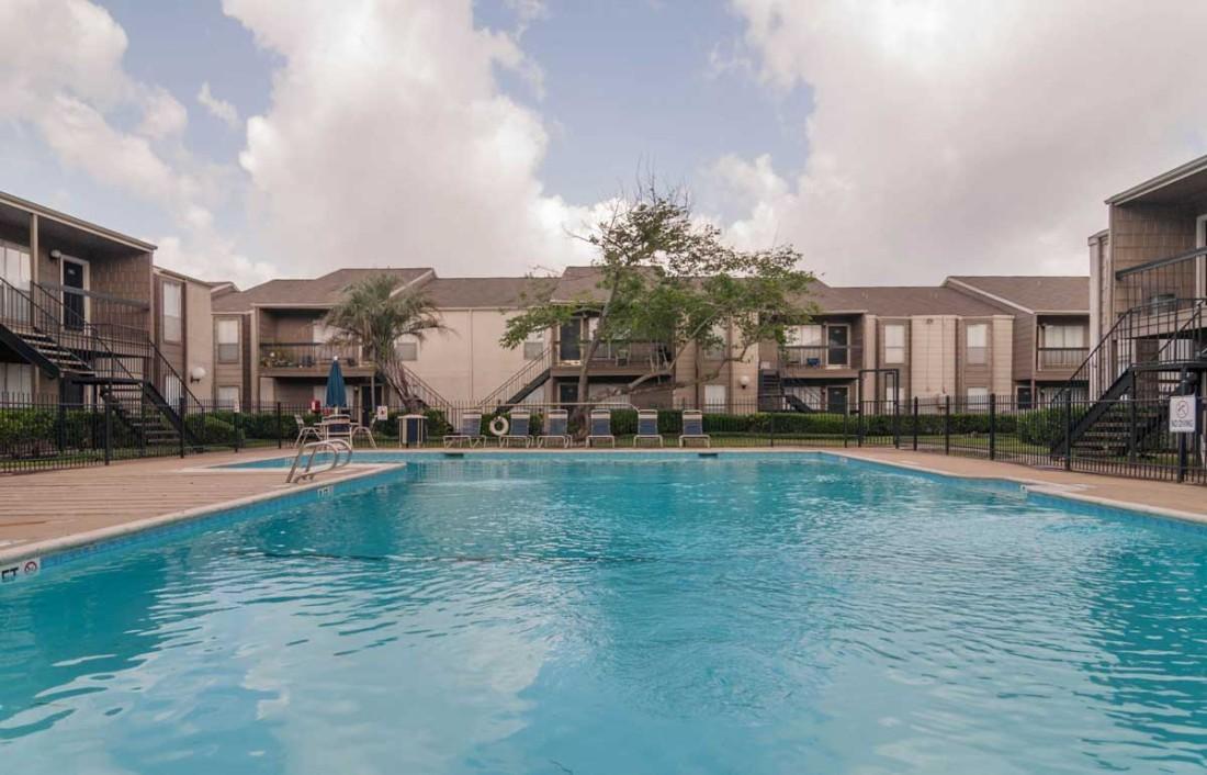 Pool at Listing #138933