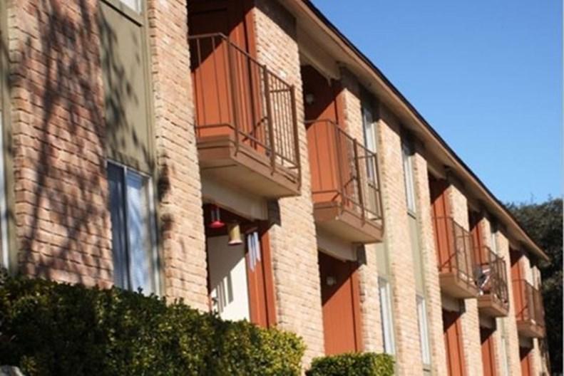 Treehouse Apartments