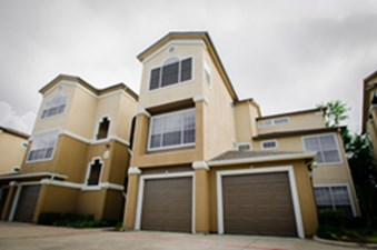 Exterior at Listing #136069