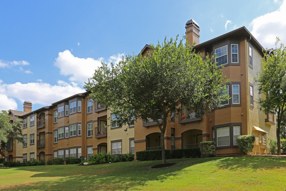 Reserve at Canyon Creek Apartments San Antonio TX