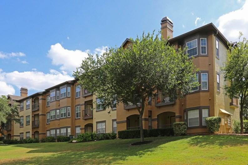 Reserve at Canyon Creek Apartments