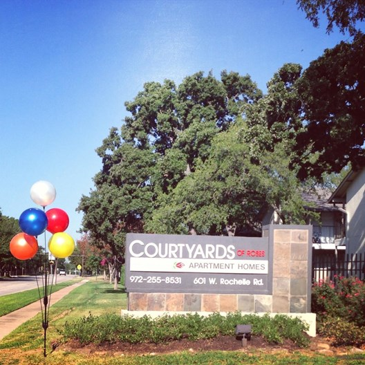Courtyards Of Roses Apartments Irving Tx