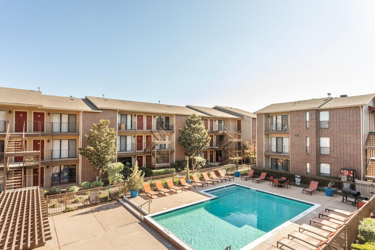 Vue at Knoll Trail Apartments Dallas TX