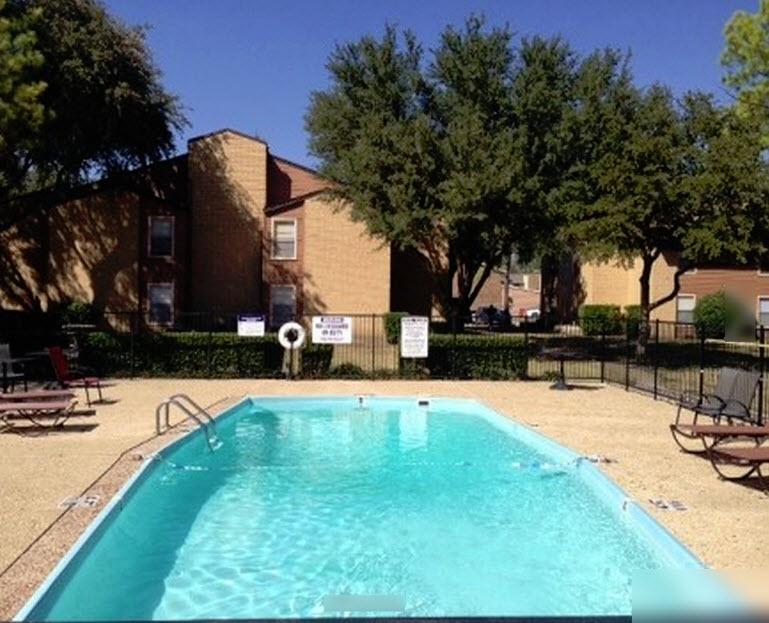 Pool at Listing #260125