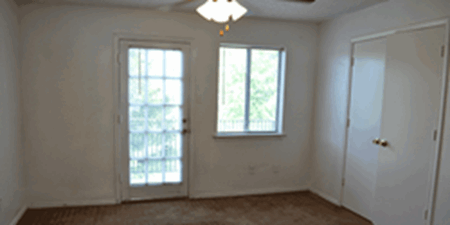 Bedroom at Listing #136622