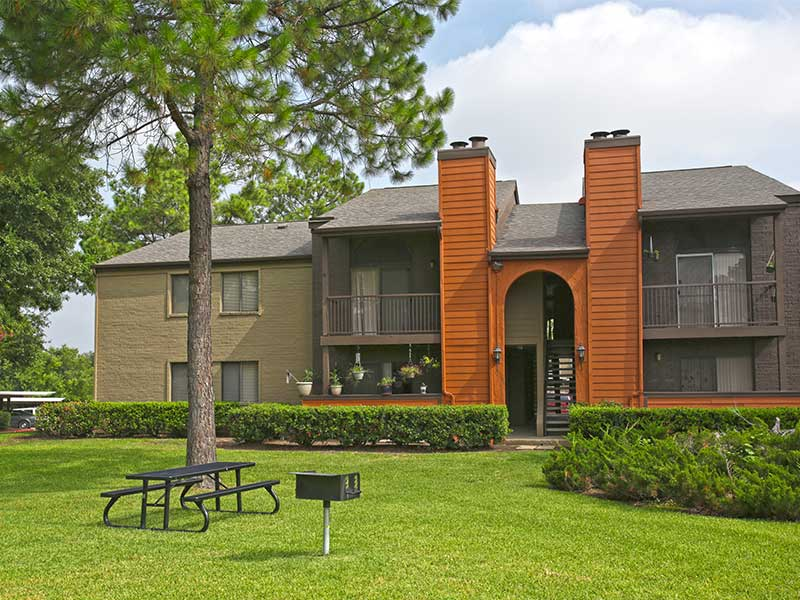 Exterior at Listing #136562