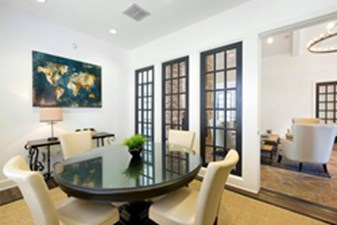 Lounge at Listing #143405
