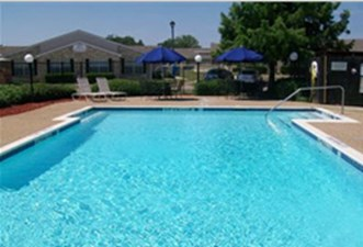 Villas of eastwood terrace fort worth 690 for 1 2 beds for Eastwood high school swimming pool