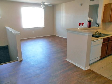 Dining/Kitchen at Listing #144090