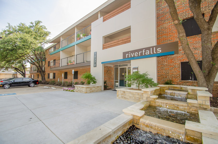 Riverfalls at Bellmar Apartments Dallas TX