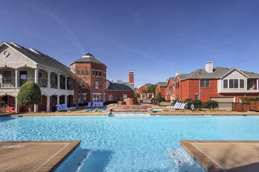 Pool at Listing #137756