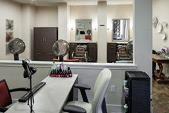 Salon at Listing #275277