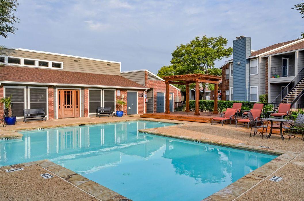 Pool at Listing #136545