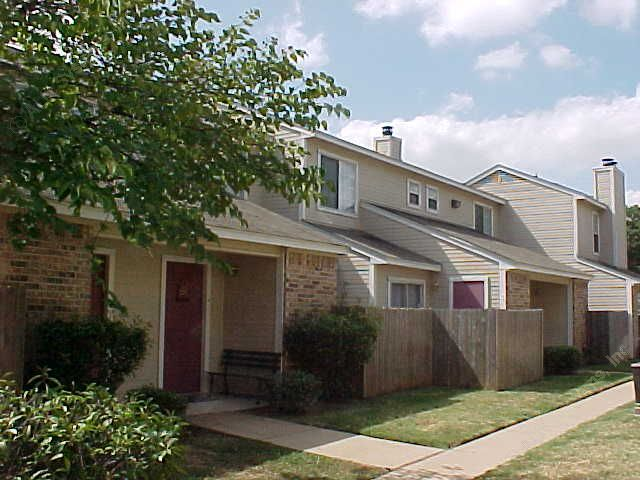 Exterior 5 at Listing #137641