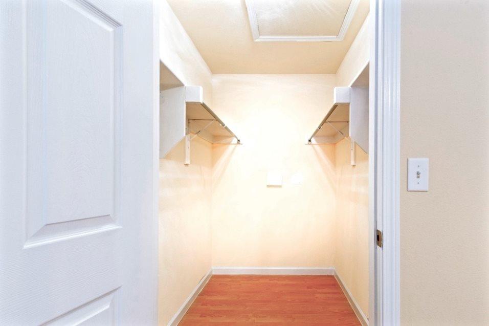Closet at Listing #144527