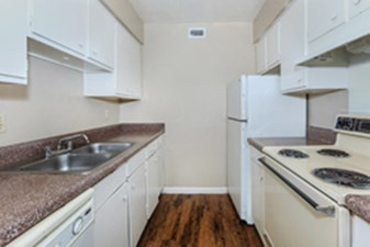 Kitchen at Listing #136223