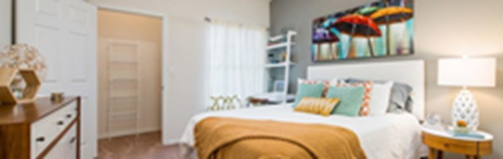 Bedroom at Listing #137784